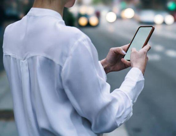 Πιερία: Πώς με ένα SMS άρπαξαν 18.530 ευρώ από τον τραπεζικό του λογαριασμό – Η προειδοποίηση της ΕΛΑΣ