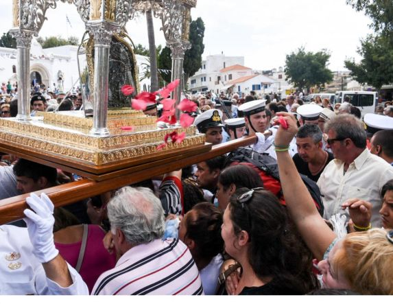 15Αύγουστος: «Πάσχα  του καλοκαιριού»,  με μνήμες «καραντίνας»  από τη Μεγάλη Εβδομάδα
