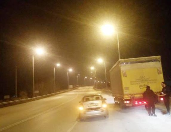 Αντικαταστάθηκαν τα καλώδια χαλκού με αλουμίνιο  και ανάβουν επιτέλους τα φώτα στη γέφυρα 66