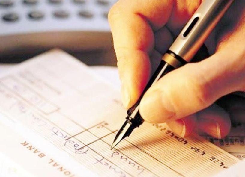 Ακάλυπτοι επαγγελματίες, ακάλυπτες επιταγές