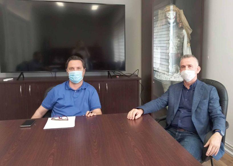 Συνάντηση του Δημάρχου Νάουσας Ν.Καρανικόλα με τον Πρόεδρο του ΤΕΕ/ΤΚΜ