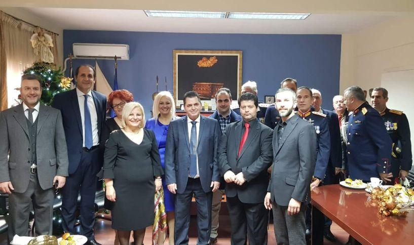 Η υποψήφια Δήμαρχος Γεωργία Μπατσαρά αντάλλαξε ευχές με τις τοπικές αρχές