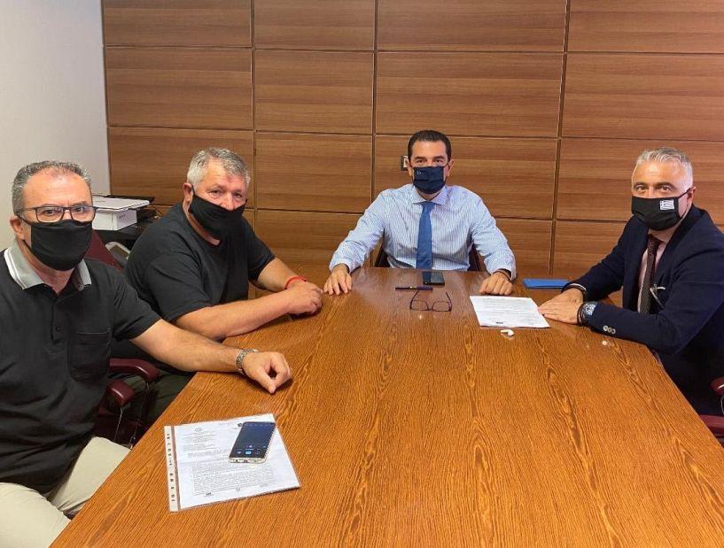 Μέσα στο Νοέμβριο δημοπρατούνται τα έργα εκσυγχρονισμού των δικτύων άρδευσης του ΤΟΕΒ Νησίου Ημαθίας, διαβεβαίωσε τον Λάζαρο Τσαβδαρίδη ο αρμόδιος Υφυπουργός Αγροτικής Ανάπτυξης