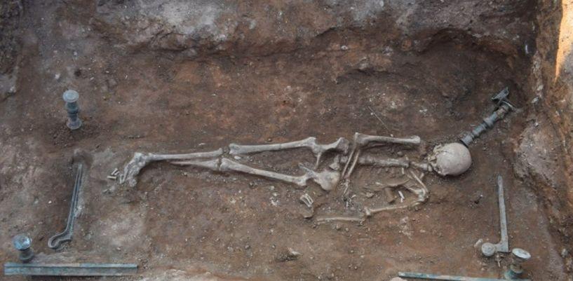 Ανακαλύφθηκε χάλκινη νεκρική κλίνη στην Κοζάνη!