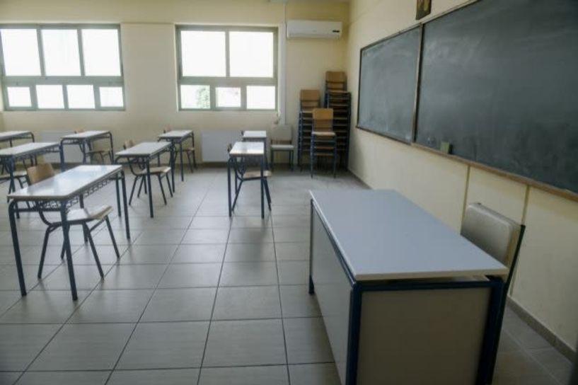 Κεραμέως: Tα επικρατέστερα σενάρια για άνοιγμα των σχολείων