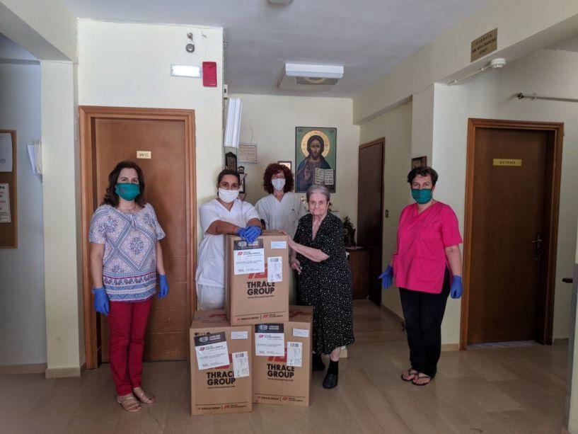 Δωρεά χειρουργικών μασκών στο Γηροκομείο Νάουσας από το Σωματείο ΔΕΣΜΟΣ