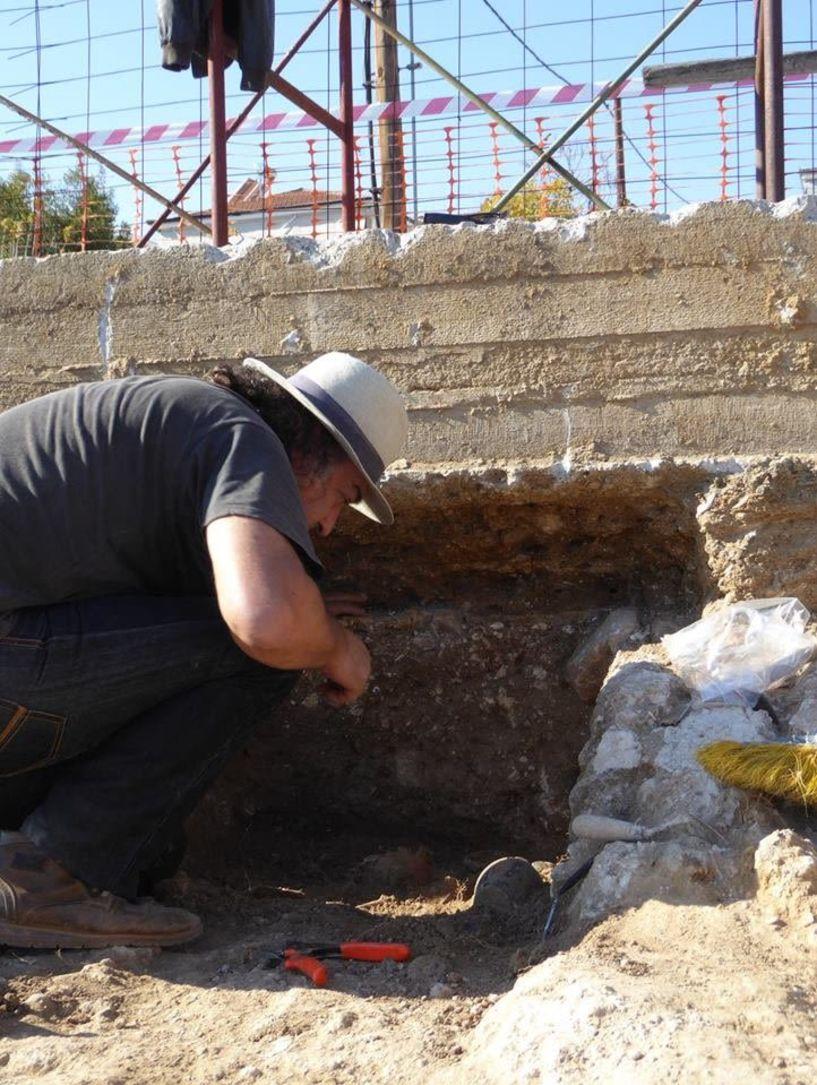 Σκελετός κοριτσιού από τα πρώτα χρόνια της βασιλείας του Φιλίππου βρέθηκε στην αντίπερα όχθη της γέφυρας Κούσιου, επι της Ακροπόλεως