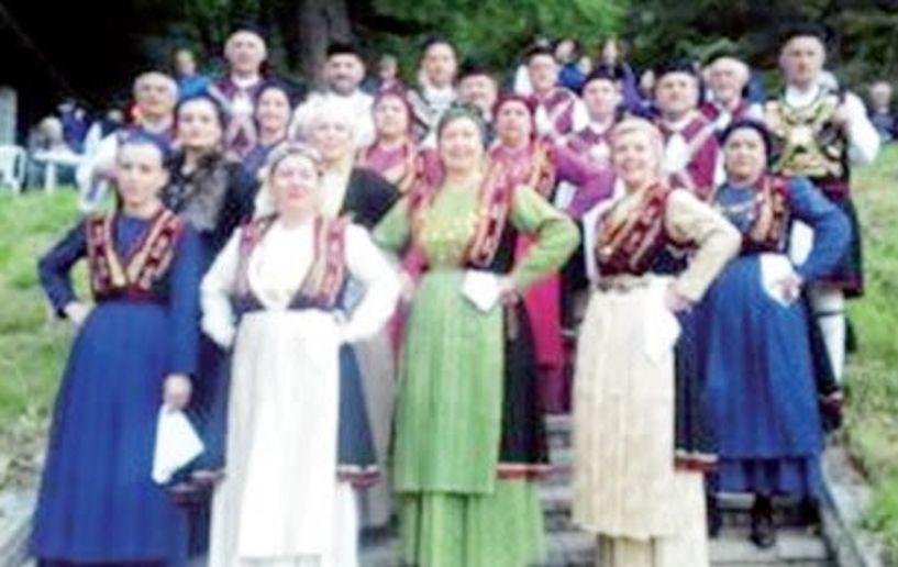 Στο Πισοδέρι  το χορευτικό του Πολιτιστικού Ομίλου  Ξηρολιβάδου