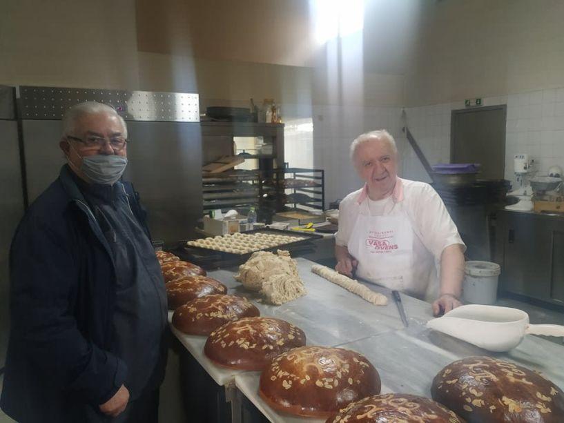 Συνάντηση 2 «γιγάντων» της ημαθιώτικης ζαχαροπλαστικής στο εργαστήριο του ΕΛΥΖΕ