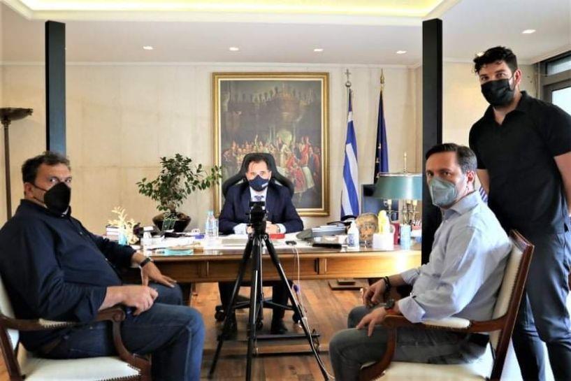 Συνάντηση του Δημάρχου Νάουσας Νικόλα Καρανικόλα με τον Υπουργό Ανάπτυξης  Άδωνι Γεωργιάδη για τα επενδυτικά έργα του Δήμου