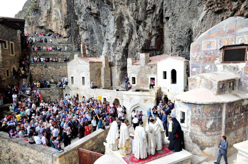 Ανοίγει ξανά για τους επισκέπτες μετά από πέντε χρόνια εργασιών η Παναγία Σουμελά στην Τραπεζούντα
