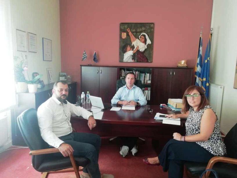 Συνάντηση με τη μονάδα Ψυχικής Υγείας «ΔΕΣΜΟΣ», είχε o Δήμαρχος Νάουσας Νικόλας Καρανικόλας