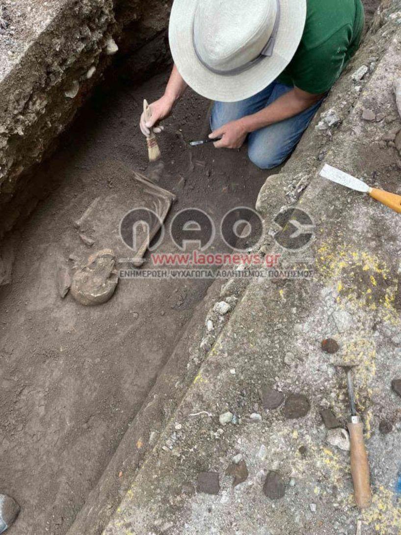 Βέροια: Βρέθηκε ανθρώπινος σκελετός στα έργα της ΔΕΥΑΒ!!! (Εικόνες)