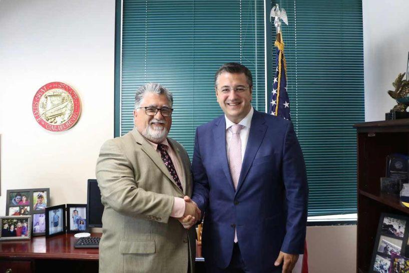 Ο Απ. Τζιτζικώστας συναντήθηκε με τον Γερουσιαστή της Καλιφόρνια Ant. Portantino και το Δ.Σ. του Ελληνοαμερικανικού Συμβουλίου