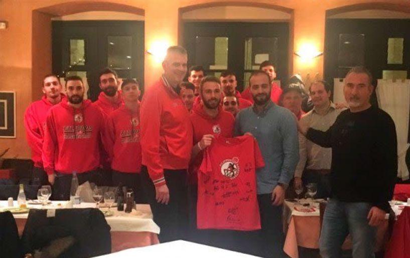 Ο Γιώργος Ζαρκάδας παρέθεσε δείπνο στην ομάδα Μπάσκετ του Φιλίππου στην Κέρκυρα.