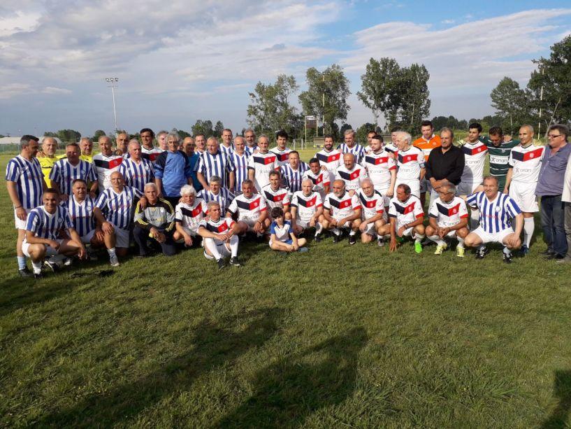 Ισόπαλο 2-2 έληξε το φιλικό των παλαιμάχων Βέροιας και Ηρακλή. Τιμήθηκαν οι Κώστας Αϊδινίου και Λάκης Παπαϊωάννου