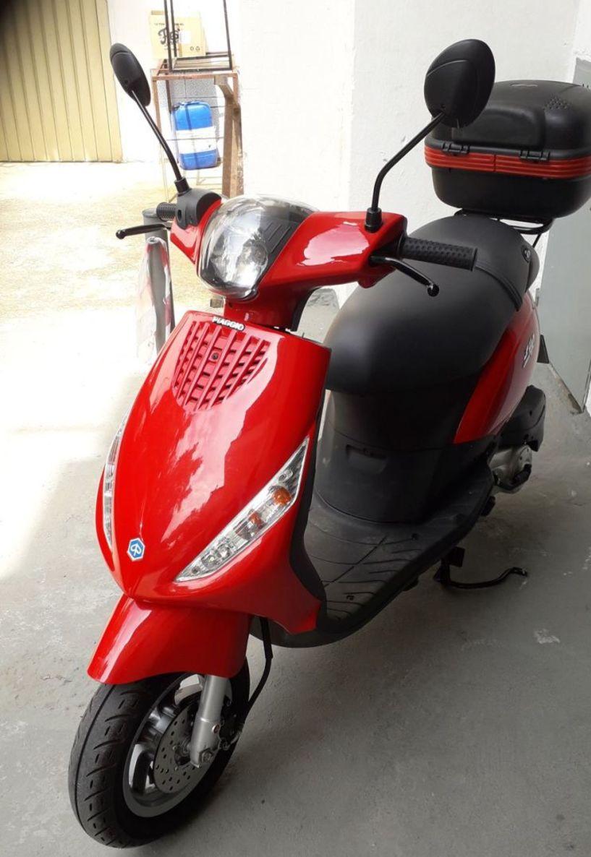 Πωλείται  μηχανάκι  μάρκας Piaggio Zip 50cc