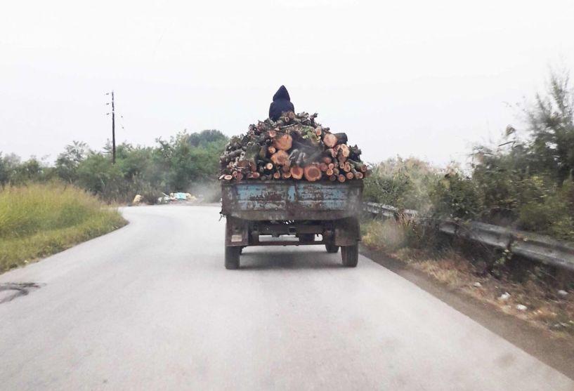 Μήπως πρέπει να «δένονται» τα ξύλα στις πλατφόρμες, για λόγους προστασίας;