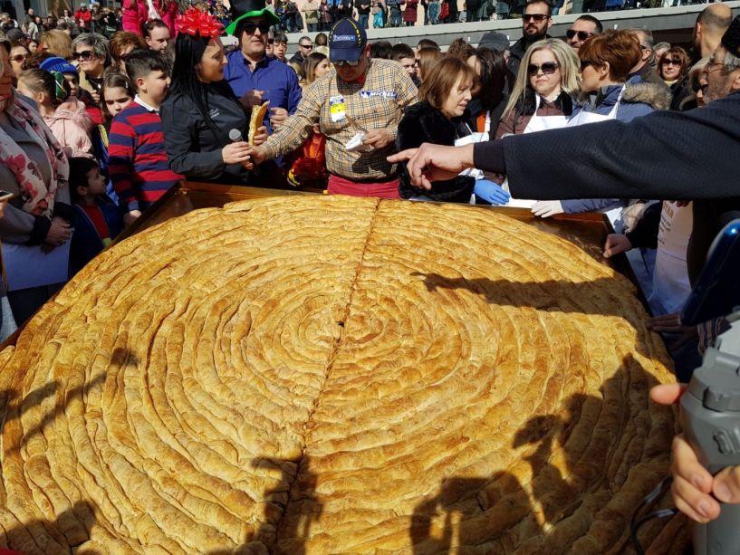 Κοζάνη: Κιχί... για αποκριάτικο βραβείο Γκίνες και το