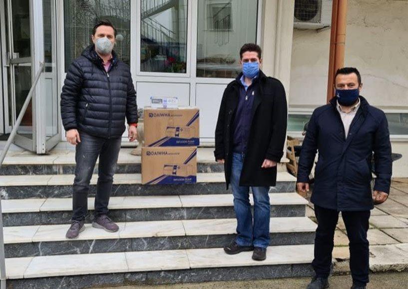 Παραδόθηκαν αντλίες έγχυσης φαρμάκων στο Νοσοκομείο από τον Δήμο Νάουσας