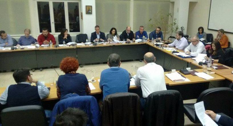 Εξάωρη συνεδρίαση του δημοτικού συμβουλίου Νάουσας για την εκκαθάριση της ΤΑΒ. Το μεσημέρι της Τρίτης η συνέχεια;