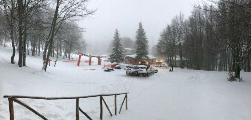 Κοντεύει τους 40 πόντους το χιόνι στις κορυφές των χιονοδρομικών μας κέντρων. Ανοικτοί οι δρόμοι πρόσβασης