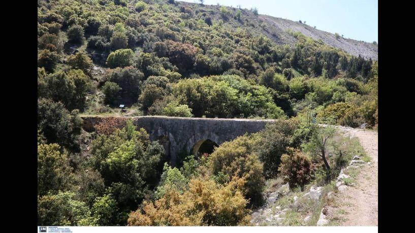 Κατέστρεψαν ιστορικό γεφύρι στην Καβάλα για να βρουν… θησαυρό (Φωτογραφίες)