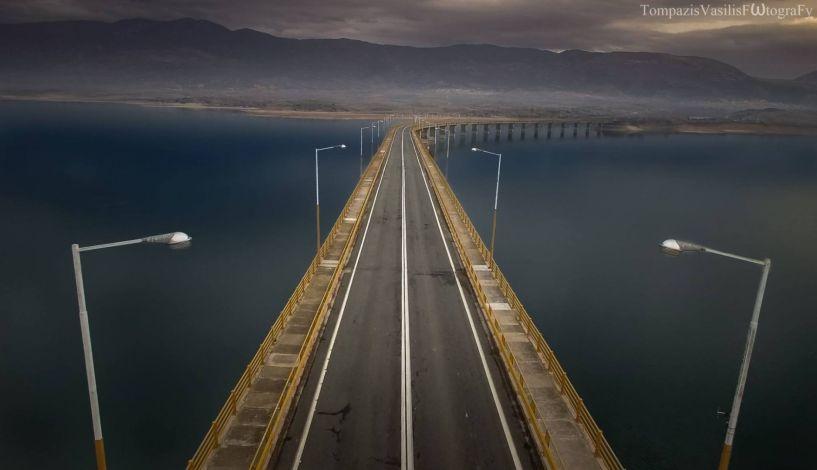 Συναγερμός για την γέφυρα της λίμνης Πολυφύτου στην Κοζάνη! - Κίνδυνος καταρρεύσεων