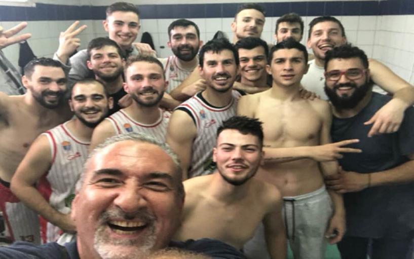 Αποθέωση για την ομάδα μπάσκετ του Φιλίππου άξιοι πρωταθλητές : «Να 'τοι, να 'τοι, οι πρωταθλητές»