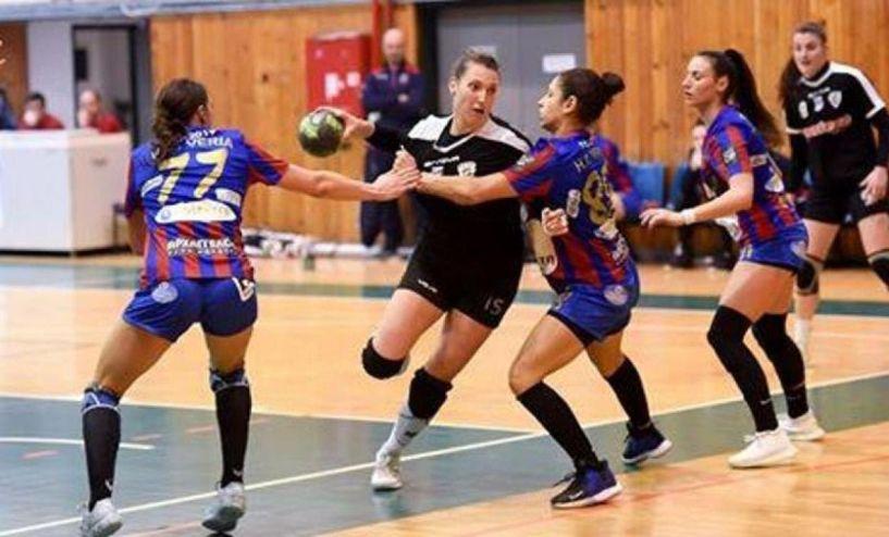 χαντ μπολ Γυναικών. Εύκολη νίκη του ΠΑΟΚ επι της Βέροιας 2017 32-18 στο πρώτο τελικό
