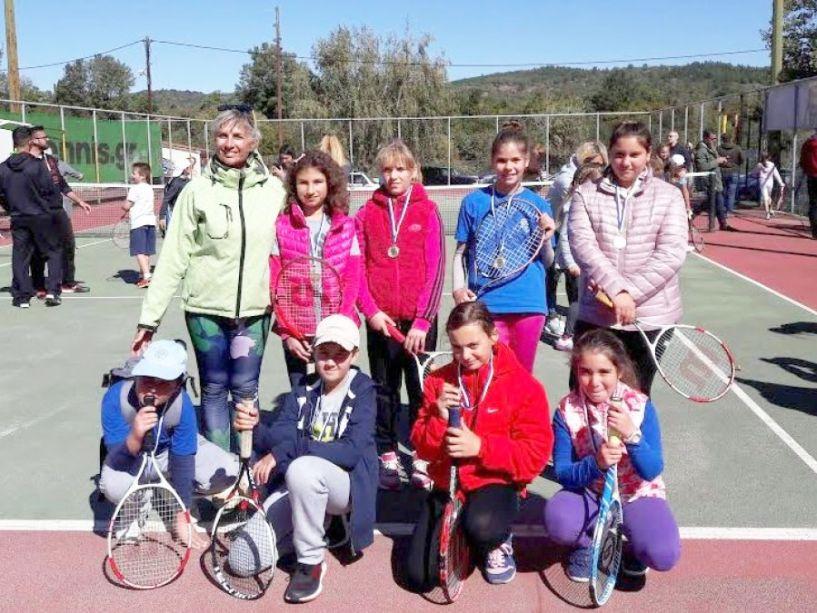 Στο 13ο προπαιδικό τουρνουά τένις με 12 αθλητές ο Όμιλος Αντισφαίρισης Νάουσας