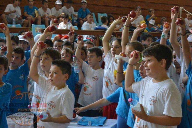 Με επίκεντρο το ροδάκινο η 2η μέρα του Veria Basketball Camp 2018