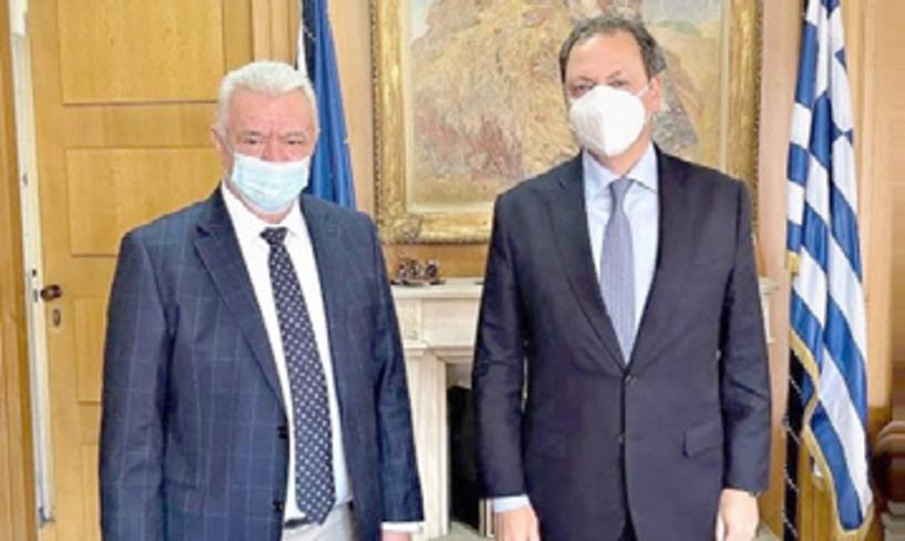 Mε τον Υπουργό Σπήλιο Λιβανό   συναντήθηκε χθες ο Δήμαρχος  Αλεξάνδρειας