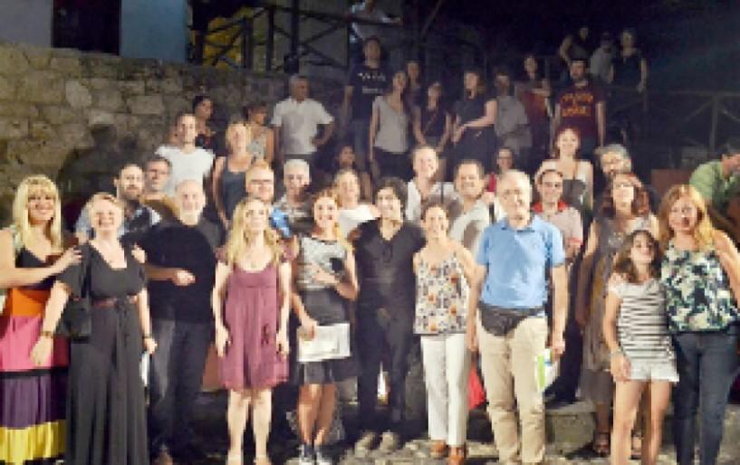 Παράλληλοι κόσμοι - Μια μαγική βραδιά πολυφωνικής λογοτεχνίας με ταξιδιώτες και Βεροιώτες ποιητές
