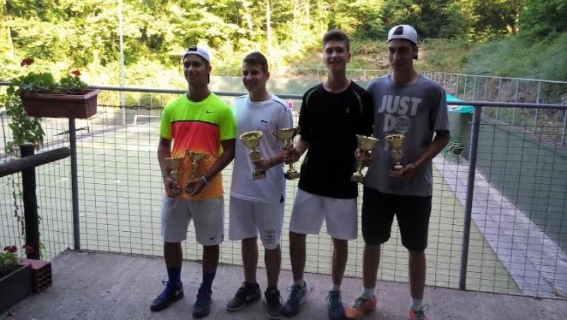 3ο πανελλαδικό πρωτάθλημα τένις Ε2 από τον Όμιλο Αντισφαίρισης Νάουσας
