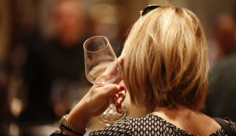 Στο χύμα κρασί έσπρωξε το κοινό ο ειδικός φόρος κατανάλωσης