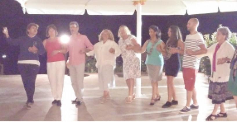 Χοροί των βλαχοφώνων του Ανατολικού Βερμίου σε σεμινάριο   για ξένους στις Πέσπες