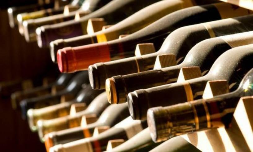 Στο... κόκκινο τα κρατικά έσοδα από τον φόρο στο κρασί
