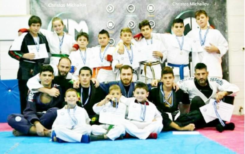 Σάρωσαν τα μετάλλια στο Κύπελλο Jiu-Jitsu οι αθλητές του αθλητικού συλλόγου ΡΩΜΙΟΣ