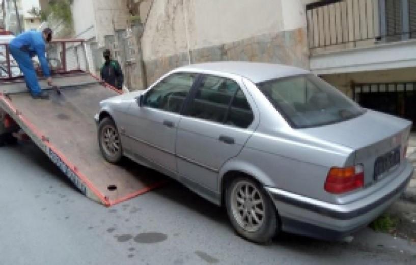 Πάνω από 100 εγκαταλελειμμένα οχήματα απομάκρυνε η δημοτική αστυνομία Βέροιας μέσα στο 2016