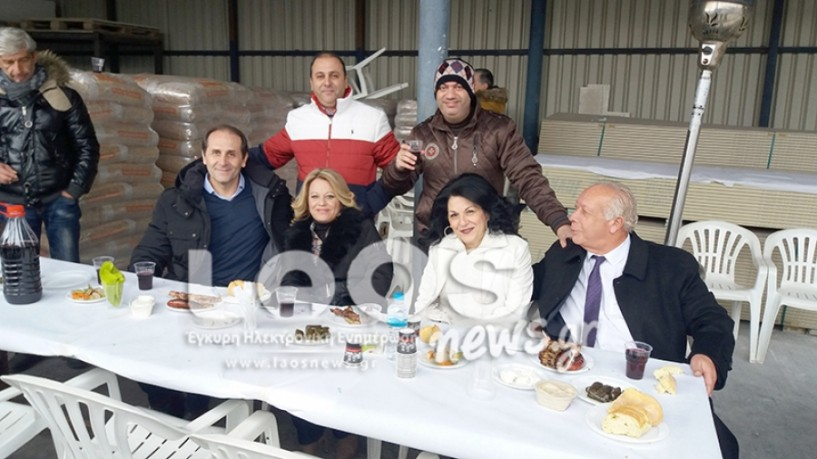 Για 25 χρόνια συνεχίζεται η παράδοση με τους Στέλιο και Γιώργο Μεϊμαρίδη να γιορτάζουν με τους φίλους και πελάτες τους (ΦΩΤΟΓΡΑΦΙΕΣ)