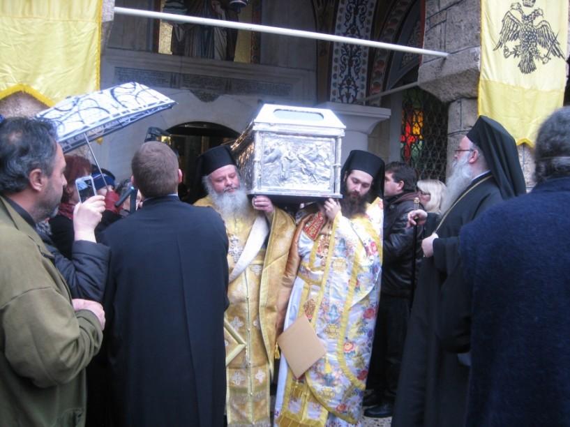 Τον πολιούχο της Άγιο Αντώνιο γιορτάζει η Βέροια, αλλά χωρίς λιτάνευση των λειψάνων λόγω βροχής (ΦΩΤΟ)