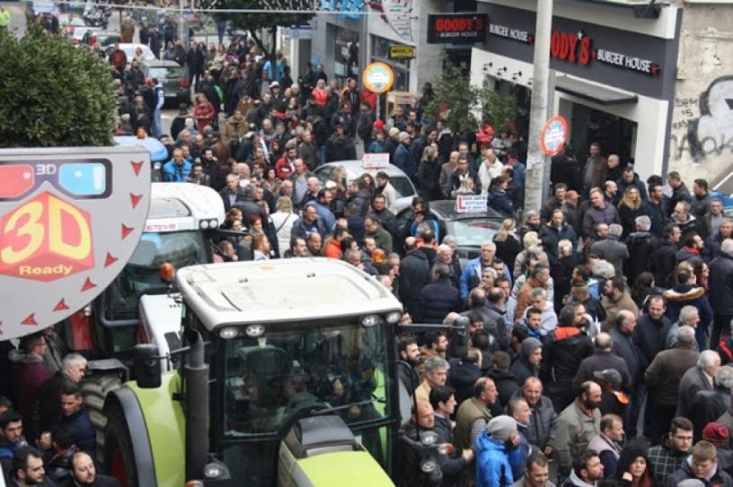 Μαζική συγκέντρωση αγροτών και φορέων τη Δευτέρα στην Πλατεία Δημαρχείου