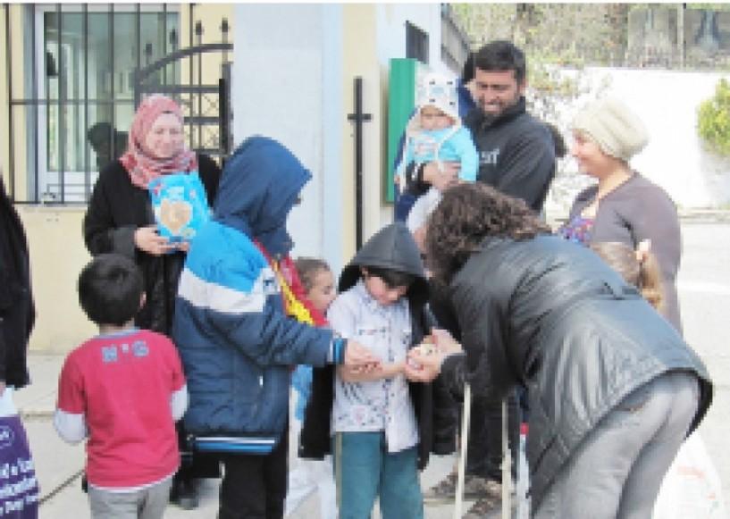 Δεν φτάνει η greek φιλοξενία και φιλότιμο  για τους πρόσφυγες