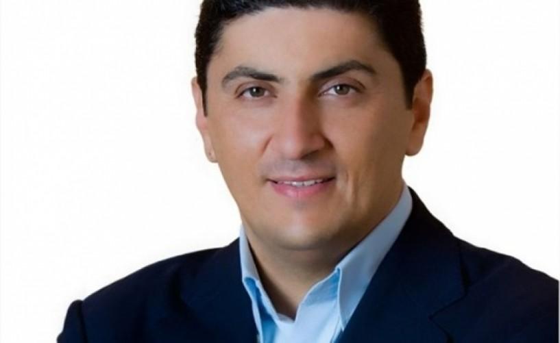Η προπαγάνδα για τη Φέτα δεν είναι παρά το πλεόνασμα πανικού της Κυβέρνησης - Γράφει ο Λευτέρης Αυγενάκης