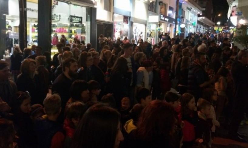 Χαμός στο εμπορικό κέντρο της Βέροιας από τη «Λευκή νύχτα» (ΦΩΤΟ & ΒΙΝΤΕΟ)