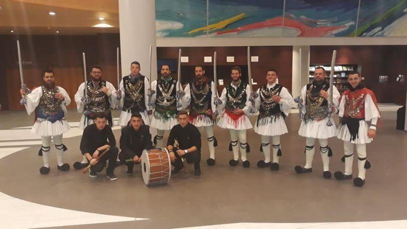 Ο Σύλλογος Ντόπιων Μακροχωρίου  και η Εστία  Ρουμλουκιωτών Αλεξάνδρειας, συμμετείχαν σε παράσταση  για την ενίσχυση του συλλόγου γονέων παιδιών με νεοπλασματική ασθένεια