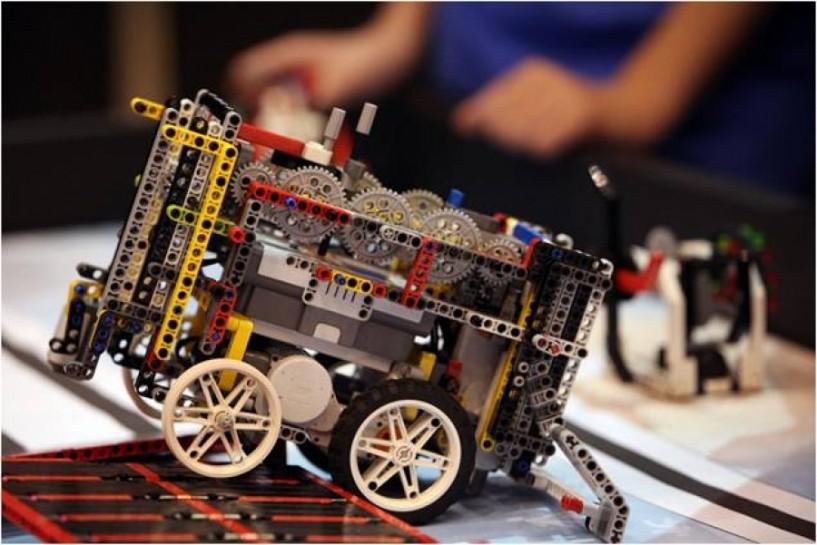 Στον τελικό του 4ου Πανελλήνιου   Διαγωνισμού Ρομποτικής   το 5ο Δημοτικό Σχολείο Βέροιας