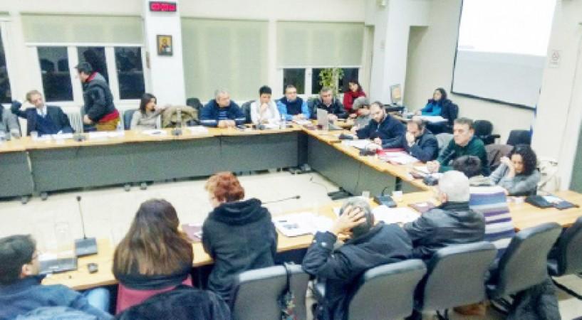 Εκκαθάριση και εργαζόμενοι ΕΤΑ Α.Ε.  και σχέδιο αστικής ανάπτυξης κυριάρχησαν  στο Δημοτικό Συμβούλιο Νάουσας