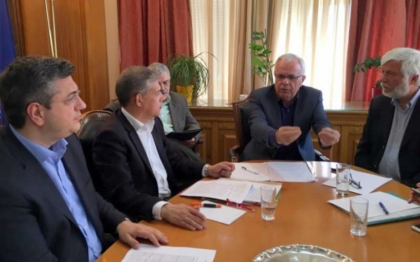 Τζιτζικώστας στον υπουργό Αγροτικής Ανάπτυξης για τις καθυστερήσεις στα προγράμματα: Αδιανόητο να είμαστε δέσμιοι της γραφειοκρατίας